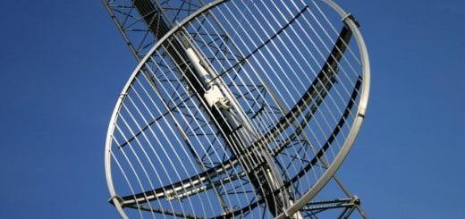 mobile-phone-antennas-1229456-639x426