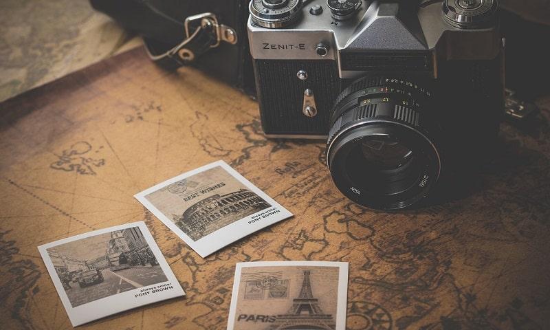 internetsikkerhed med fotos på kort
